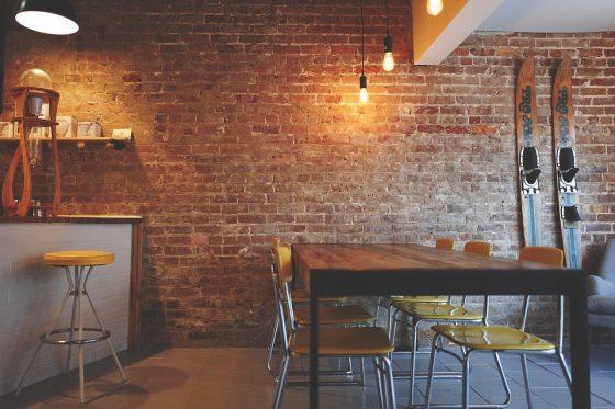 styl minimalistyczny w domu - tanie wykończenie